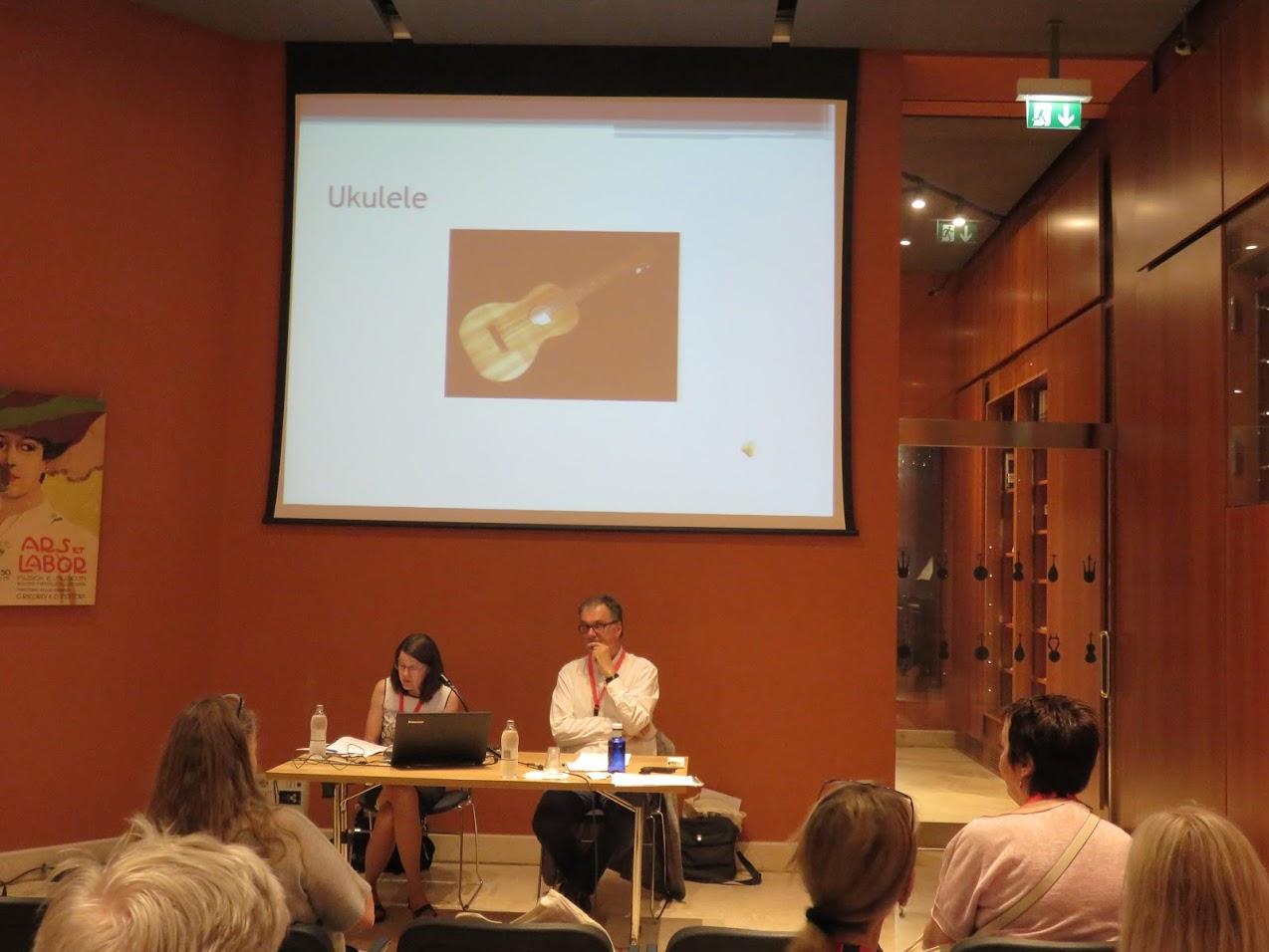 Carolyn Dow presentation, photo by Marianna Zsoldos