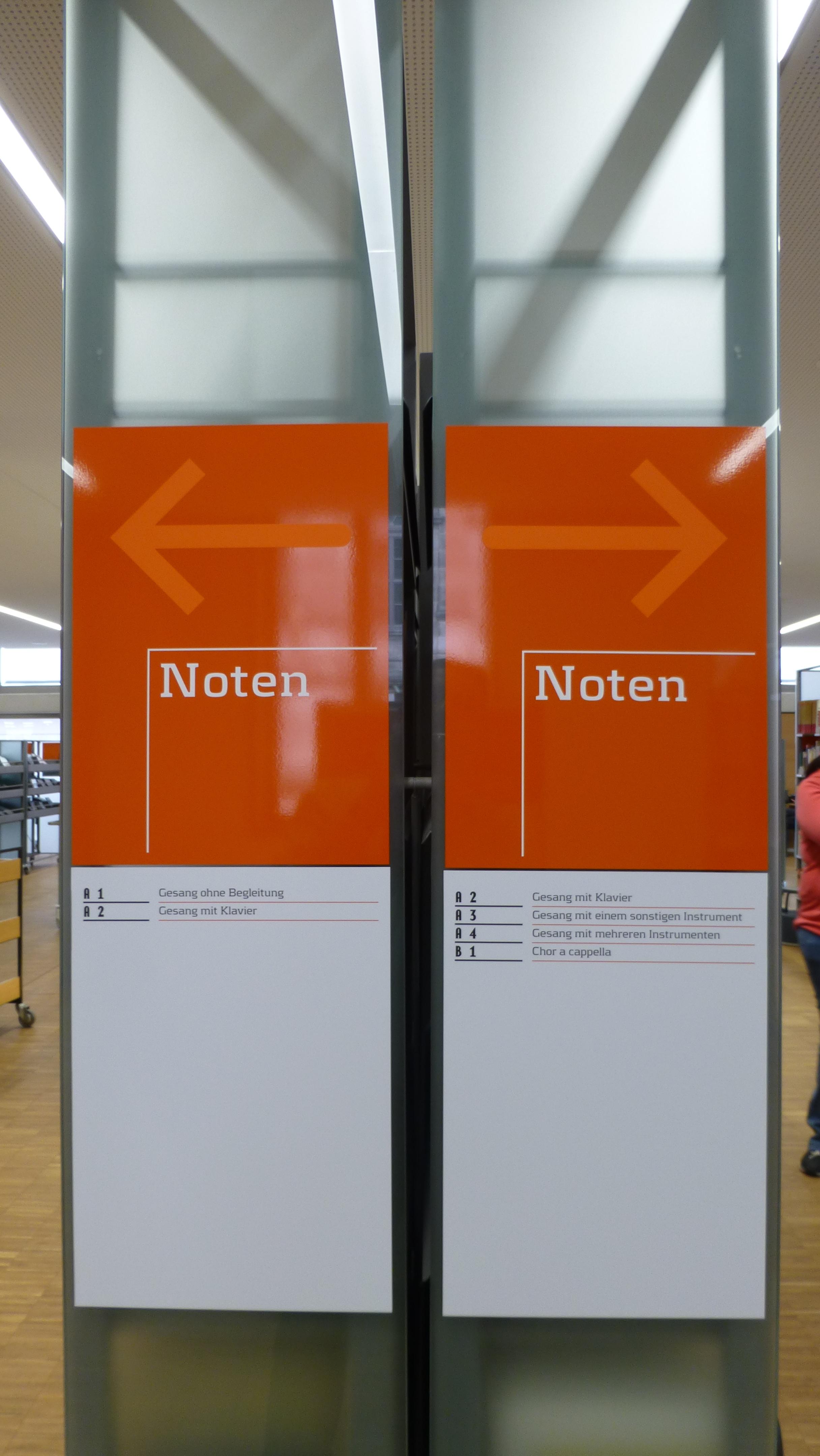 Stadtbibliothek Nürnberg by Manfred Ullrich