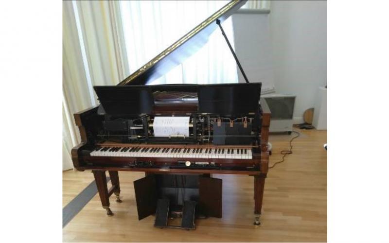 """""""selbstspielendes"""" Klavier mittels Lochkarten"""
