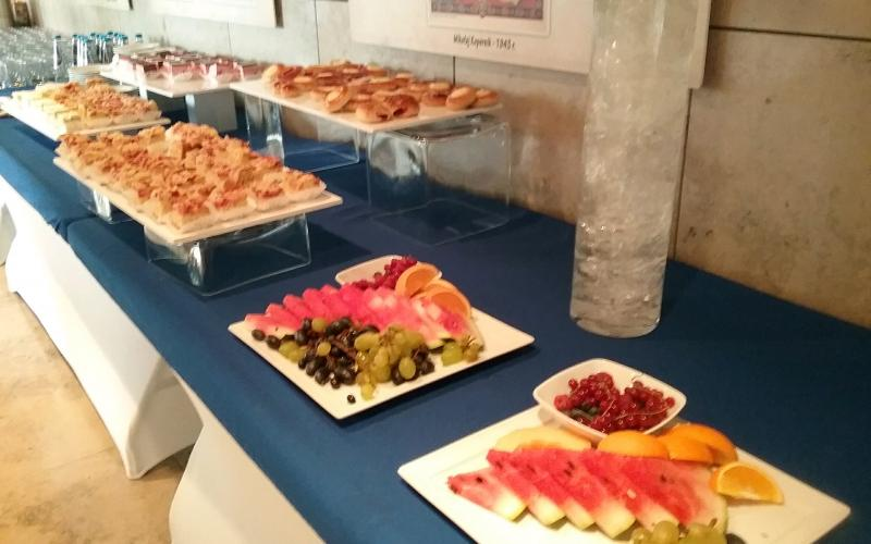 The food spread. © Caren Nichter