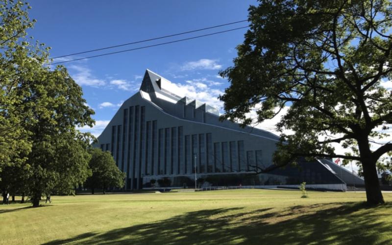 """Riga. Nationalbiblioteket """"Gaismas Pils""""/National Library """"Gaismas Pils"""""""