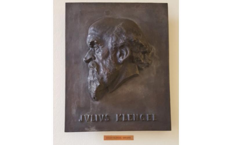 Plaque for Julius Klengel